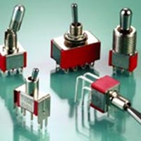 Miniature Toggle switches, 7000 Series